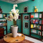 the madhatter bookshop Burford